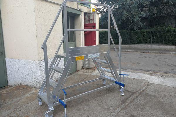 Scalificio Clerici s.n.c. - Nuova scala con piattaforma a ponte!