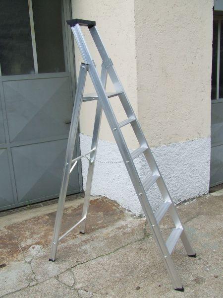 Scalificio Clerici s.n.c. - Scala in alluminio con ripiano