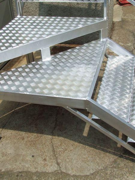 Scalificio Clerici s.n.c. - Scala a giorno in alluminio