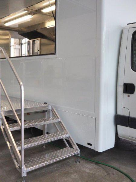 Scalificio Clerici s.n.c. - Scala per allestimento veicoli e furgoni