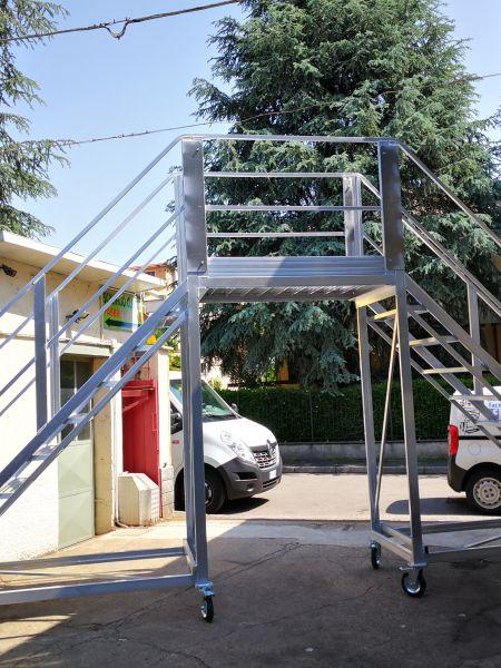 Scalificio Clerici s.n.c. - Escala especial para mantenimiento de camiones